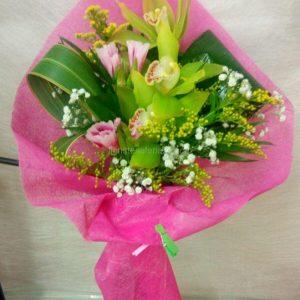 Ramo de Tres orquídeas